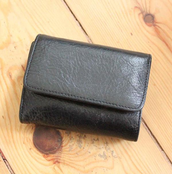 無印良品の三つ折り皮財布