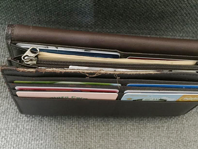 モノコムサ長財布の経年変化