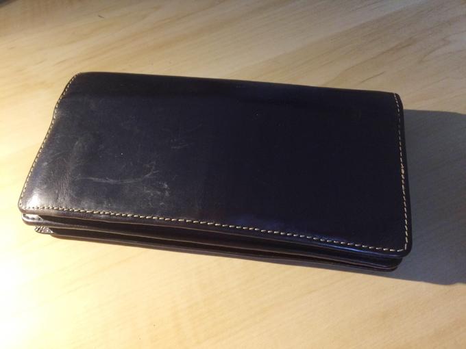 質実剛健な男子の財布。ホワイトハウスコックス