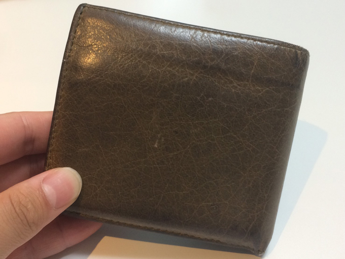 バレンシアガの二つ折り財布