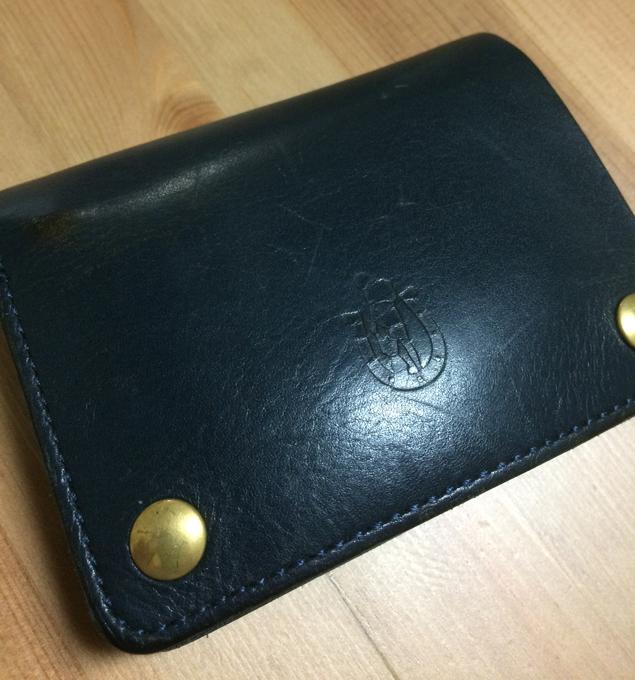 ヒステリックグラマーの二つ折り財布を
