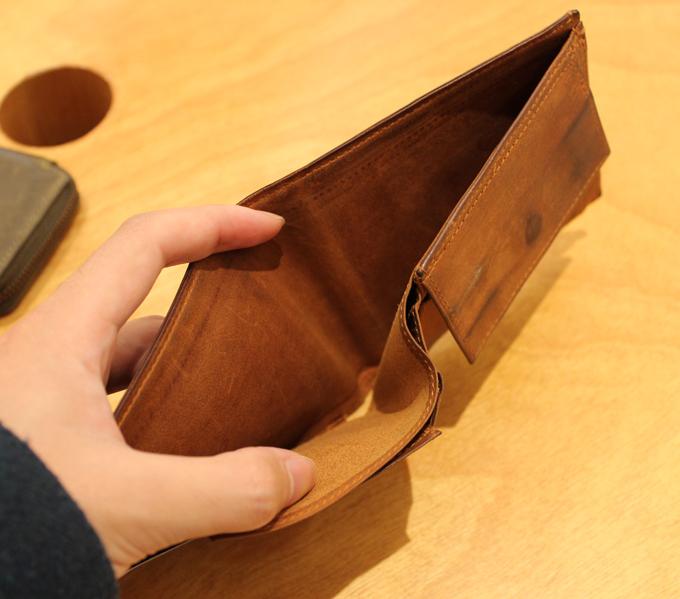 日本の職人が商品を製造