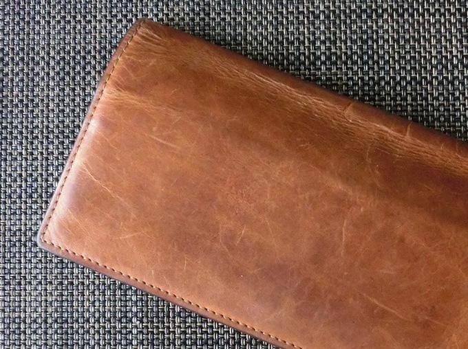 財布の表面はキズがつきやすい