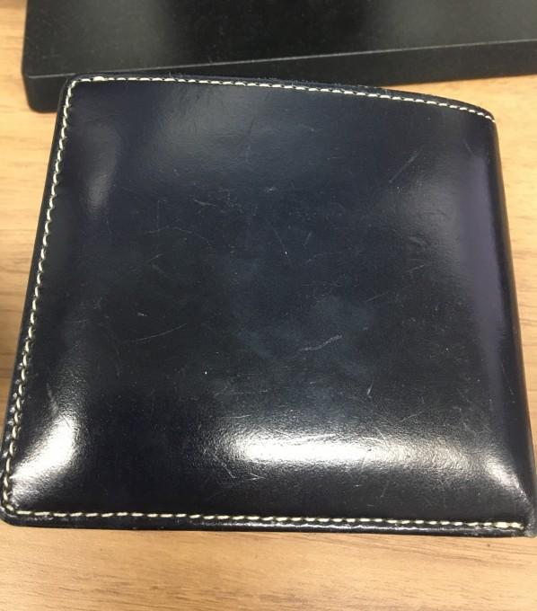 石川トランクで購入したブリティッシュグリーンのブライドルレザー二つ折り財布
