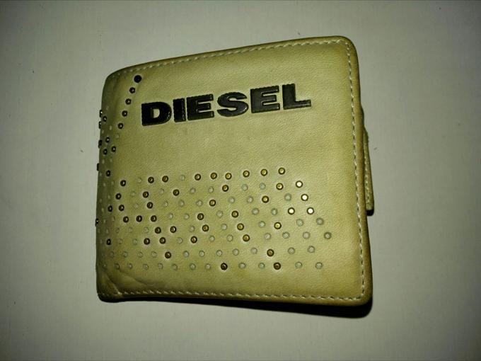 DIESEL(ディーゼル)の二ツ折財布を5年間使った評価レビュー