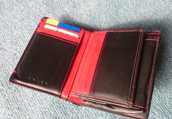 ヴォイス二つ折り財布の使用感