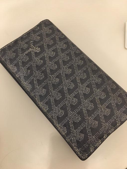 online store b4e06 a7041 Goyard(ゴヤール)の人と違う尖った二つ折り長財布を使用した ...