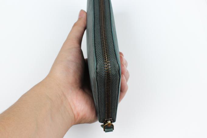 財布の厚みや大きさ
